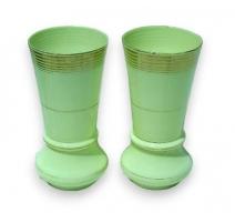 Paire de vases couleur pistache.