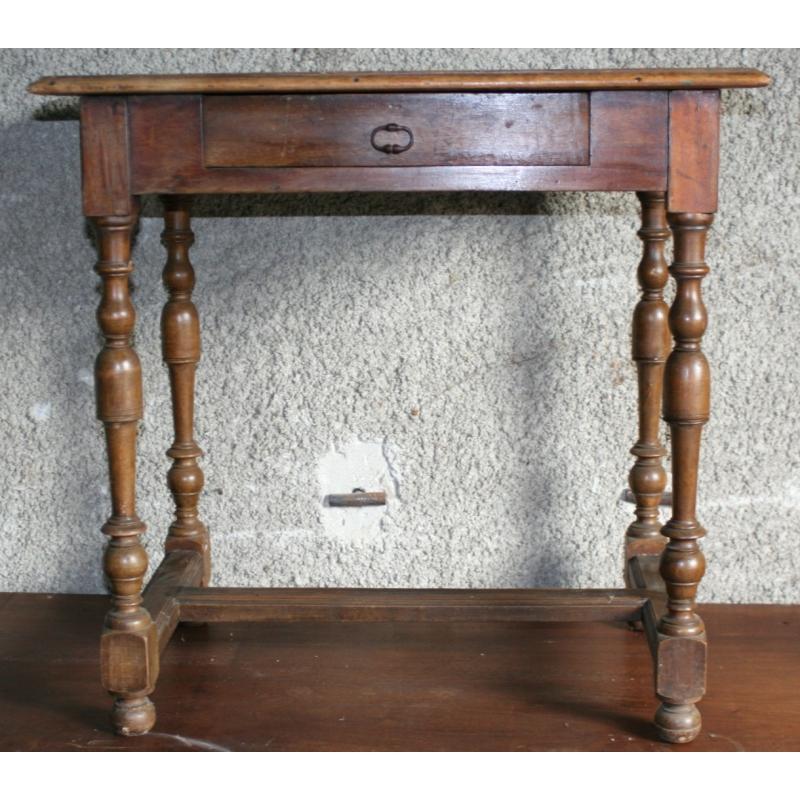 table louis xiii sur moinat sa antiquit s d coration. Black Bedroom Furniture Sets. Home Design Ideas