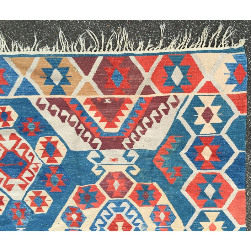 tapis kilim bleu et rouge sur moinat sa antiquit s d coration. Black Bedroom Furniture Sets. Home Design Ideas