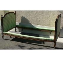 Кровать в стиле Людовика XVI с покрытием ткани с