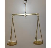 Balance à 2 plateaux en laiton