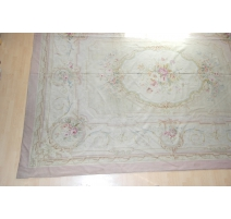 Tapis Aubusson ancien, médaillon, Louis