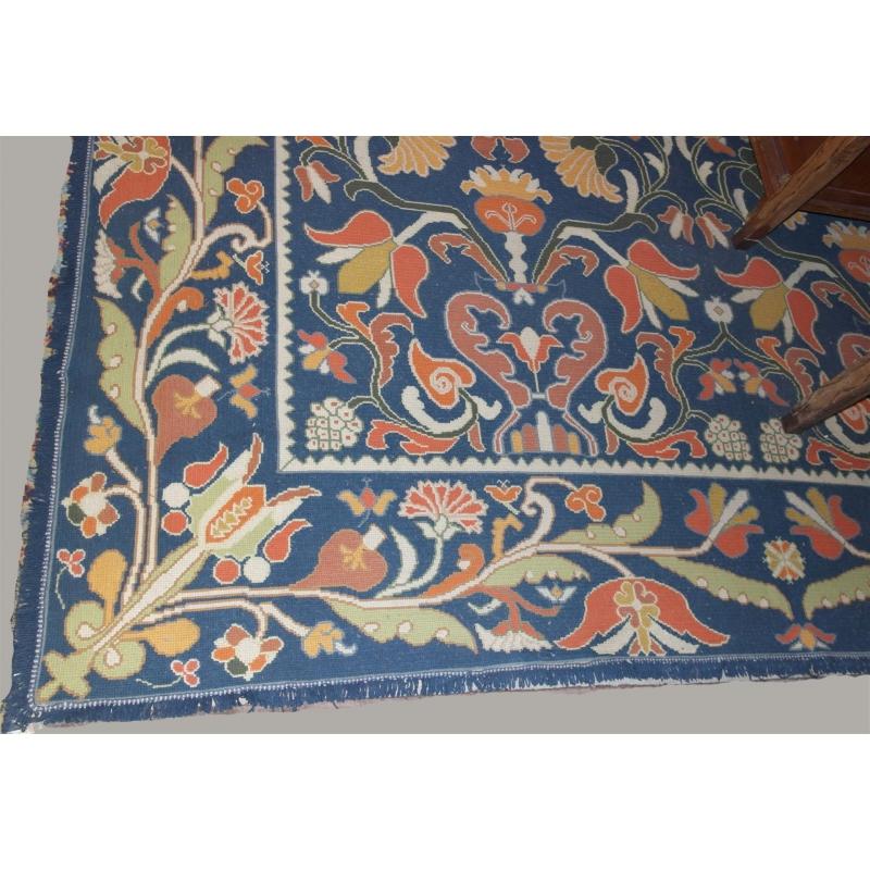 tapis portugais fond bleu fait main sur moinat sa. Black Bedroom Furniture Sets. Home Design Ideas