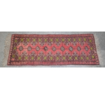Tapis fond rouge