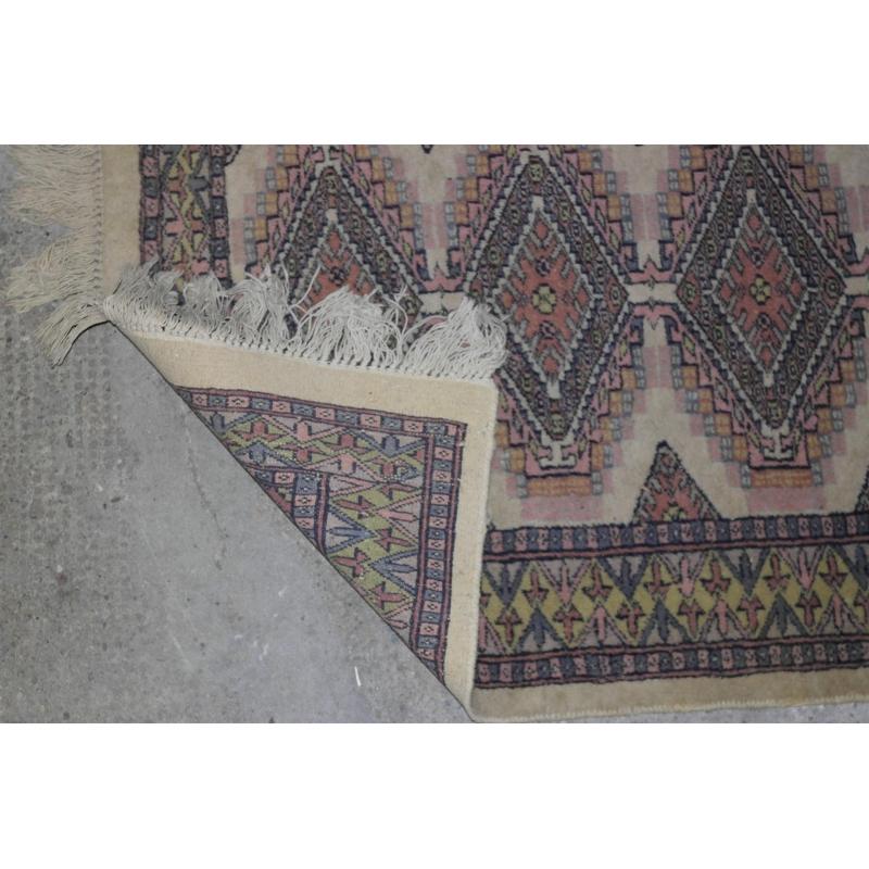 tapis d cor bleu sur fond beige sur moinat sa antiquit s