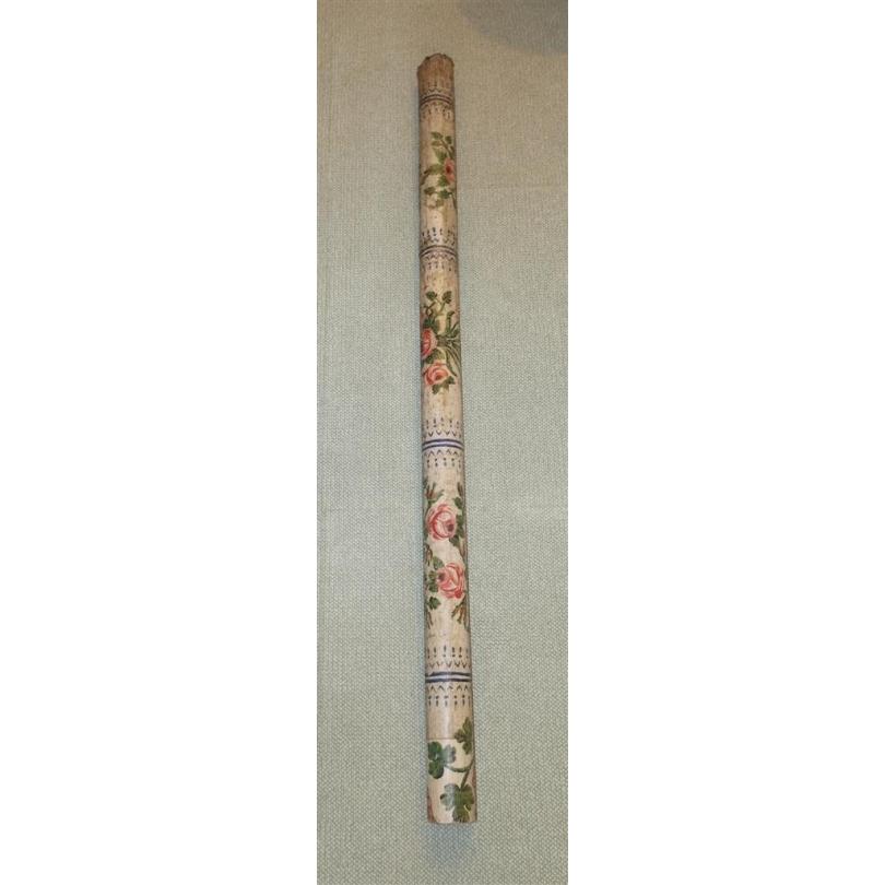 Pilastre en tôle peinte décor fleurs