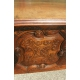 Table normande ceinture sculptée. 2 tiroirs.