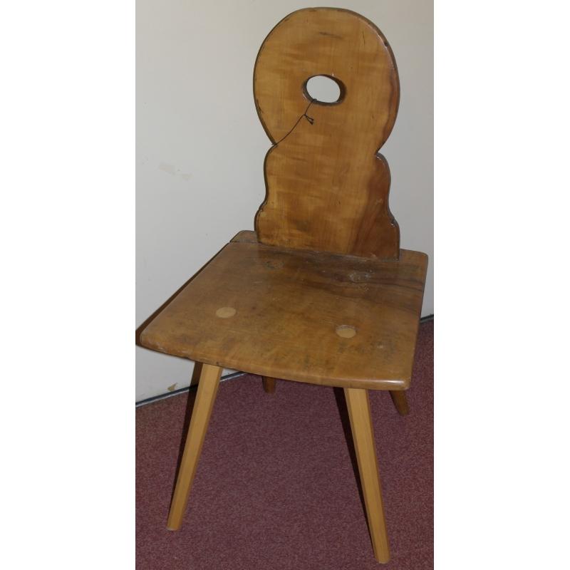 Chaise escabelle en noyer sur moinat sa antiquit s for Chaise 19eme siecle