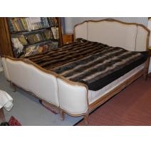 Кровать корзина в стиле Людовика XV из древесины