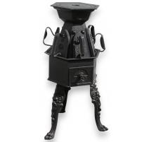 家里的电熨斗或炉子烫衣服
