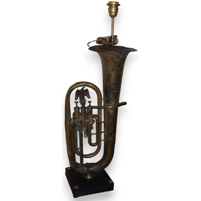 lampe tuba en cuivre avec d cor sur moinat sa antiquit s d coration. Black Bedroom Furniture Sets. Home Design Ideas