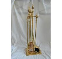 仆人的工具壁炉黄铜