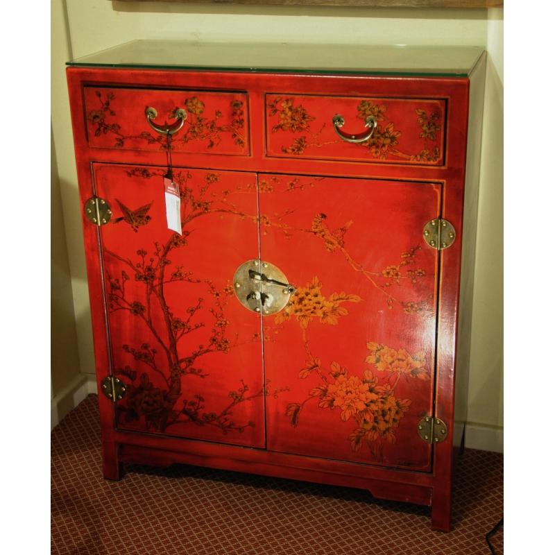 petit buffet chinois en cuir laqu rouge sur moinat sa antiquit s d coration. Black Bedroom Furniture Sets. Home Design Ideas