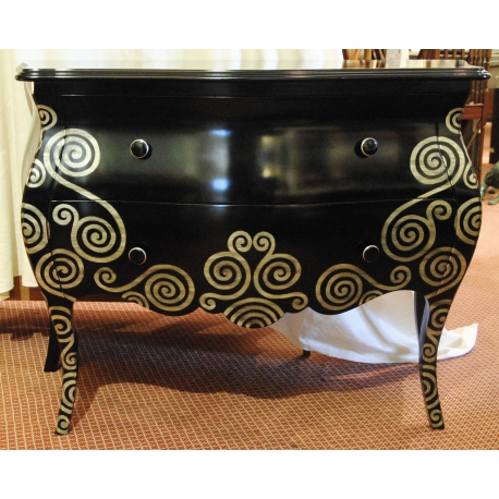 commode galb e laqu e noir avec d cor argent sur moinat sa antiquit s d coration. Black Bedroom Furniture Sets. Home Design Ideas