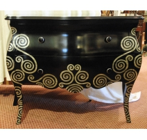 Convenient curved lacquered black decorated with silver
