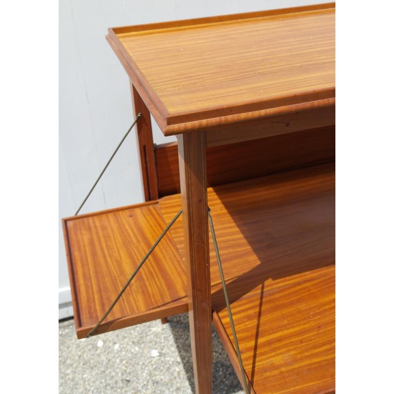 teetisch mit tablett abnehmbar moinat sa antiquit s d coration. Black Bedroom Furniture Sets. Home Design Ideas