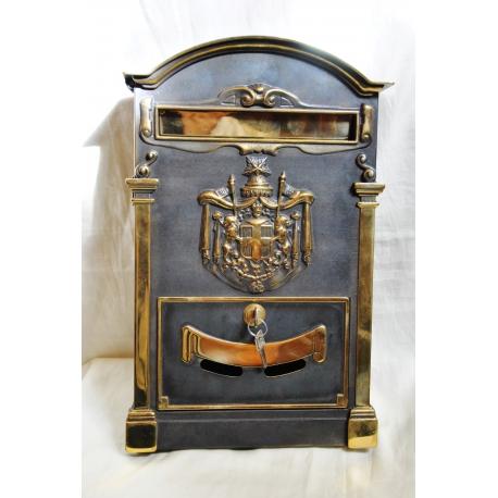 bo te aux lettres en laiton noirci et sur moinat sa antiquit s d coration. Black Bedroom Furniture Sets. Home Design Ideas