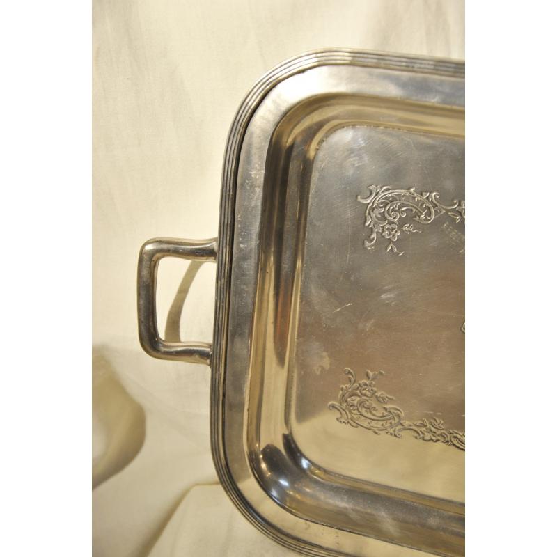 tablett rechteckig in der brasserie des moinat sa. Black Bedroom Furniture Sets. Home Design Ideas