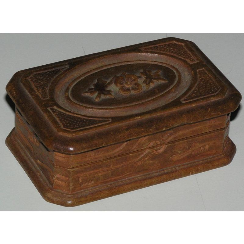 bo te de brienz avec couvercle d cor de sur moinat sa antiquit s d coration. Black Bedroom Furniture Sets. Home Design Ideas