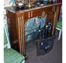 Chimenea de estilo Luis XVI en madera de nogal con