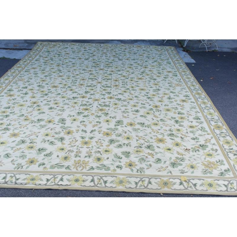 Tapis aubusson jaune vert en laine sur moinat sa Petit tapis jaune