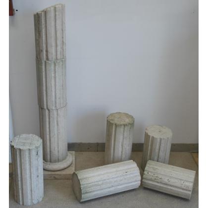 Lot d'éléments de colonne cannelée en