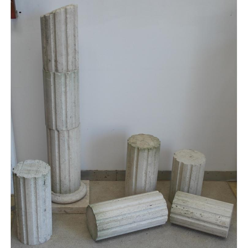 Muchos de los elementos de la columna acanalada en