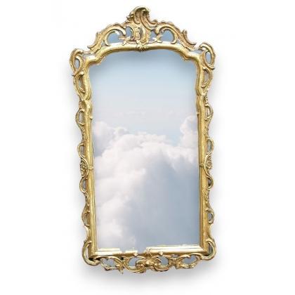 Miroir. Cadre en bois doré et plâtre.