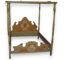 Кровать с балдахином, деревянным
