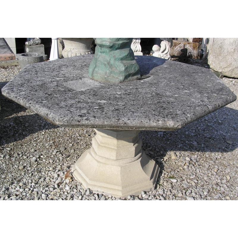 table octogonale en pierre sur moinat sa antiquit s. Black Bedroom Furniture Sets. Home Design Ideas