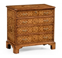Small chest of drawers with 4 drawers in
