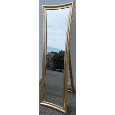 Miroir plein pied galbé, en résine dorée sur Moinat SA - Antiquités  décoration