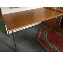 Table rectangulaire plateau en bois de