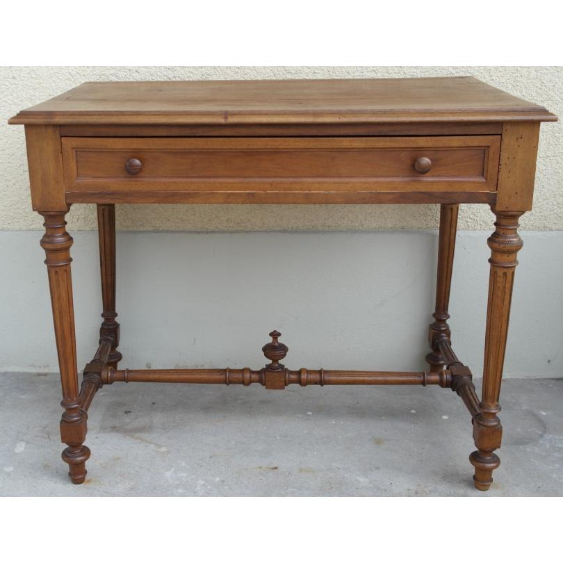 table henri ii rectangulaire en noyer sur moinat sa antiquit s d coration. Black Bedroom Furniture Sets. Home Design Ideas