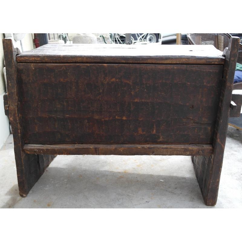 coffre afghan en bois sculpt sur moinat sa antiquit s d coration. Black Bedroom Furniture Sets. Home Design Ideas