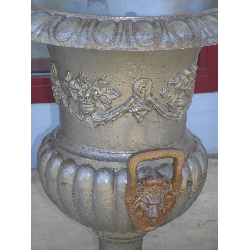 paire de vases m dicis en fonte avec sur moinat sa antiquit s d coration. Black Bedroom Furniture Sets. Home Design Ideas