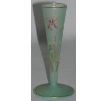 """Vase """"Flûte"""", signé dessous DAUM,"""