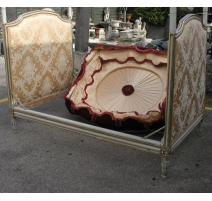 Bed Louis XVI painted white and gold, with