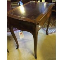 Mesa-mesita de noche Louis XV de madera de cerezo.