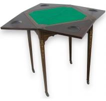 Table à jeux carrée style Edwardian.