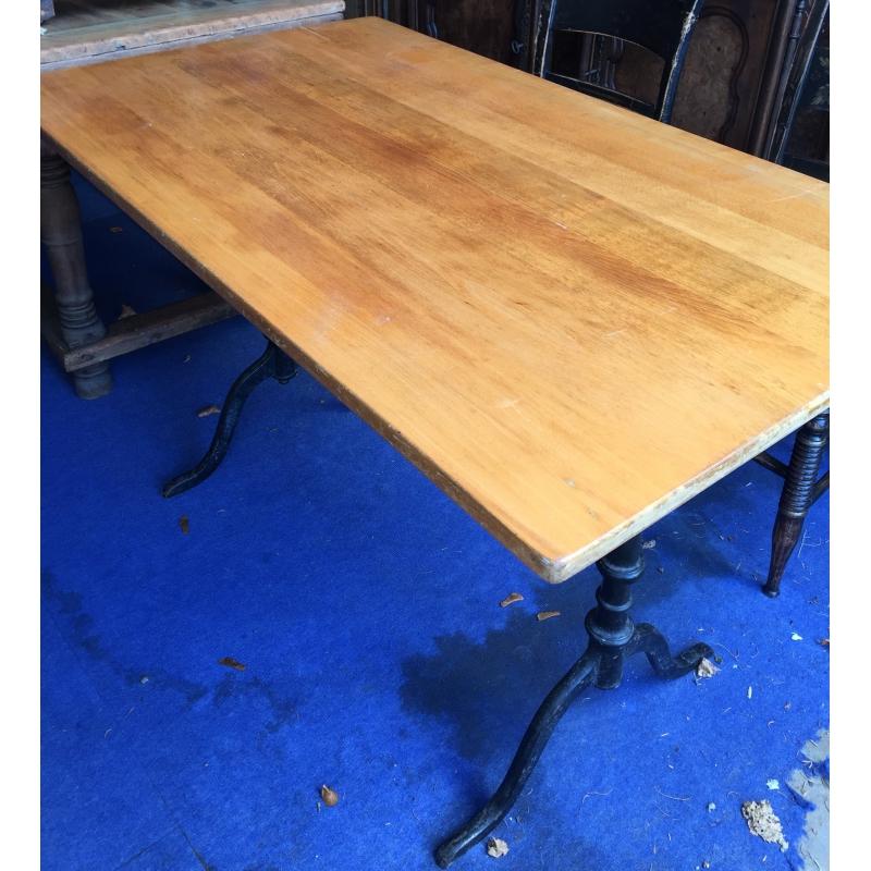 table de bistrot rectangulaire en h tre sur moinat sa. Black Bedroom Furniture Sets. Home Design Ideas