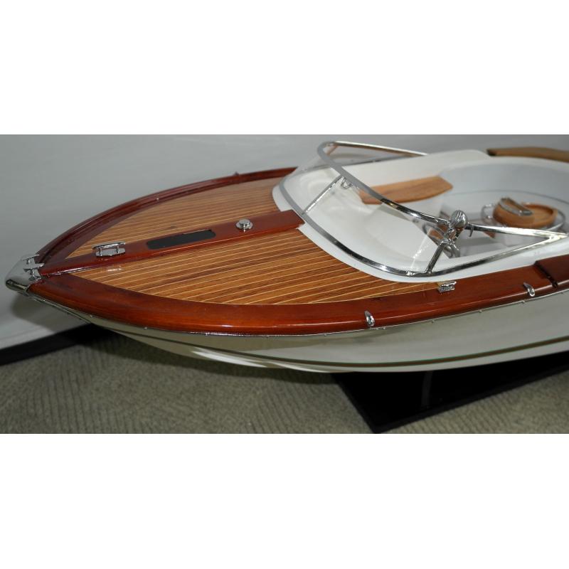 maquette de bateau riva aquariva gucci sur moinat sa antiquit s d coration. Black Bedroom Furniture Sets. Home Design Ideas