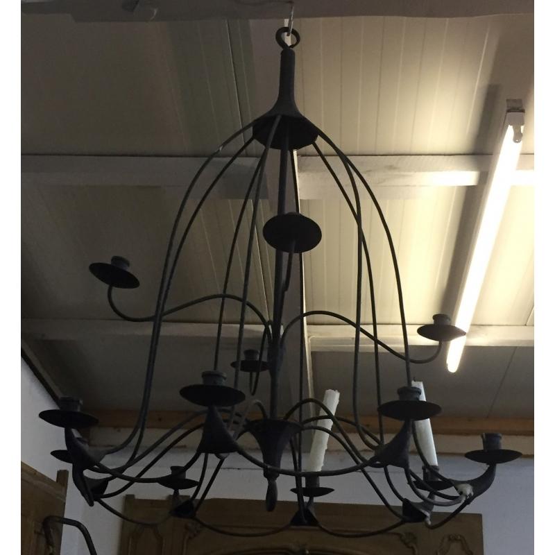lustre en fer forg noir 12 bougies sur moinat sa antiquit s d coration. Black Bedroom Furniture Sets. Home Design Ideas