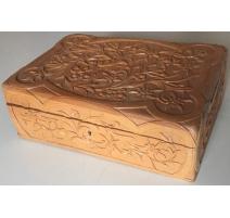 """Coffret en bois sculpté """"Edelweiss"""" de"""