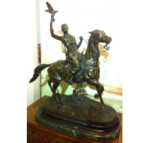 """Sculpture """"Fauconnier arabe sur son"""