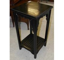 Quinto chino de madera lacado en negro