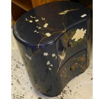 Chevet rognon laqué, décor chinois à 2