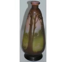 Vase brun et vert, en pâte de verre à