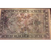 Alfombra Oriental, de lana. Irán. 20
