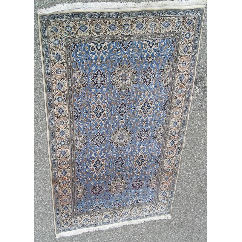 Tapis persan Nain, en laine avec soie.